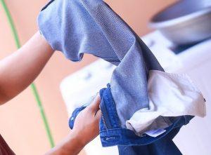 1503915905-8276-v4-728px-Wash-Jeans-Step-3-1